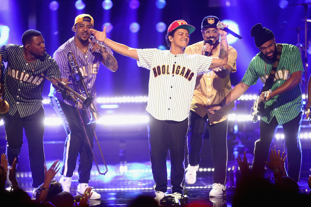 bruno-mars-2017-bet-awards-performance.jpg